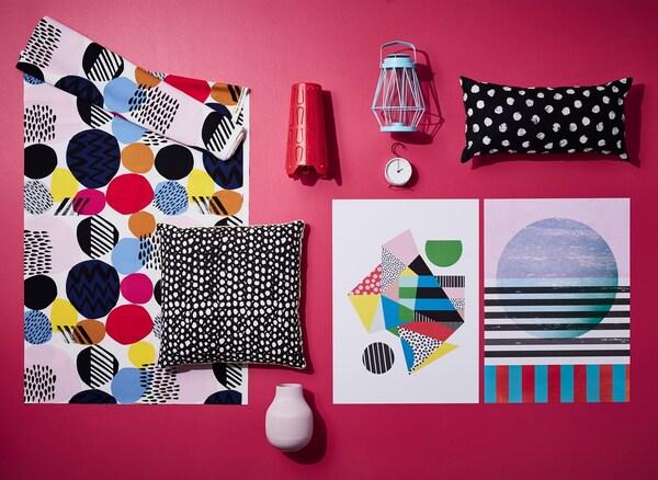 На доске с весенними трендами от ИДЕЙ ИКЕА показаны графичные рисунки и узор в горошек, а также их сочетания для яркого современного интерьера дома.