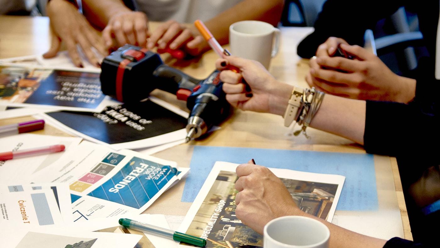 Na IKEA, os percursos profissionais não são tradicionais. Incentivamos os nossos colaboradores para seguirem as suas paixões e experimente novas funções num ambiente nacional e global.