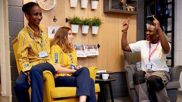 Na IKEA, todas as pessoas têm algo valioso a oferecer. Somos de várias partes do mundo, mas partilhamos a mesma atitude e valores positivos.