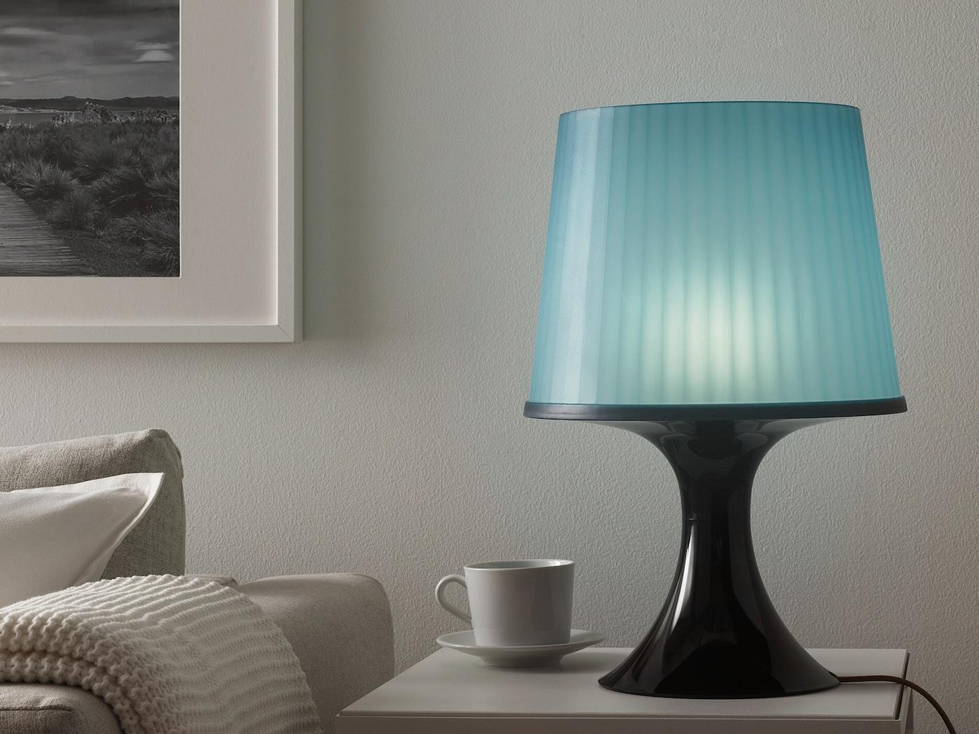 Na obrázku LAMPAN lampa