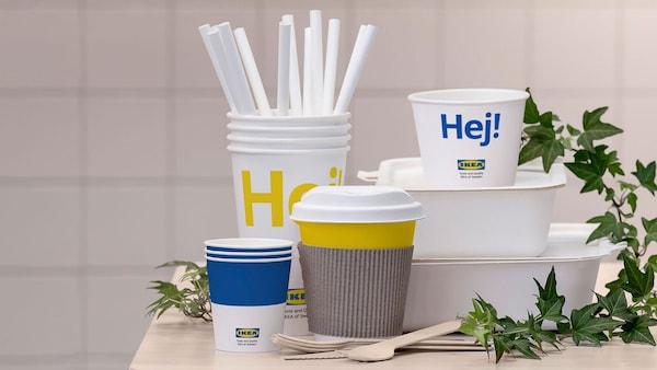 Nádoby na jedlo, poháre, slamky a príbor IKEA vyrobené zo 100 % obnoviteľných materiálov.