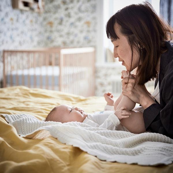 Nasveti in informacije o dojenčkih, spanju in s tem povezanem pohištvu ter tekstilnih izdelkih.