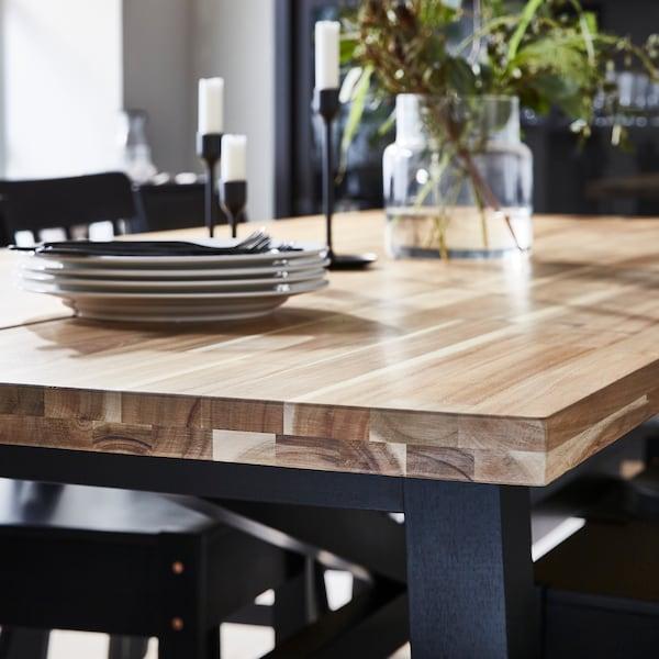 Nasveti za izbiro materiala za jedilno mizo.