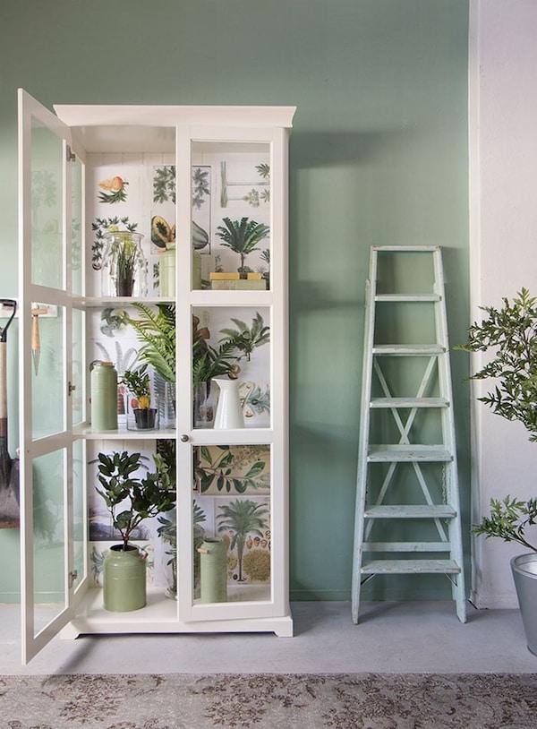 Nepplanten - kunstplanten - LIATORP vitrinekast - IKEA wooninspiratie