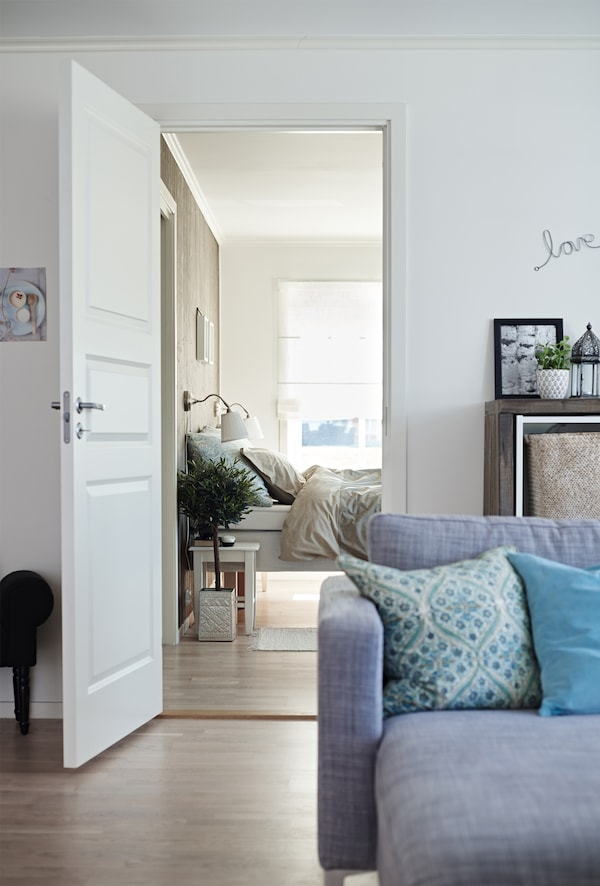 Neutral tones on walls and floors make it easy to switch up your home's colour scheme.