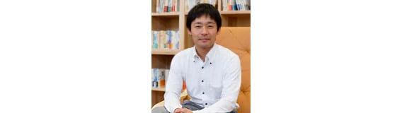 経営企画本部課長の向山優樹さん