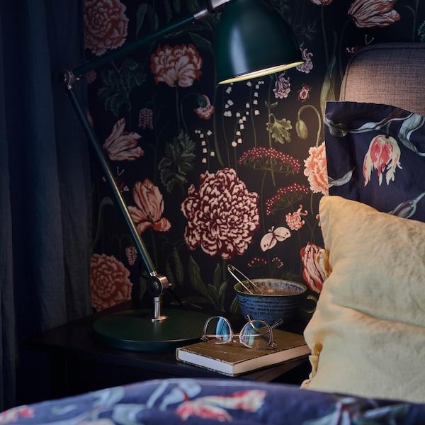 نصائح للحصول على غرفة نوم مفعمة بالدفء والراحة.