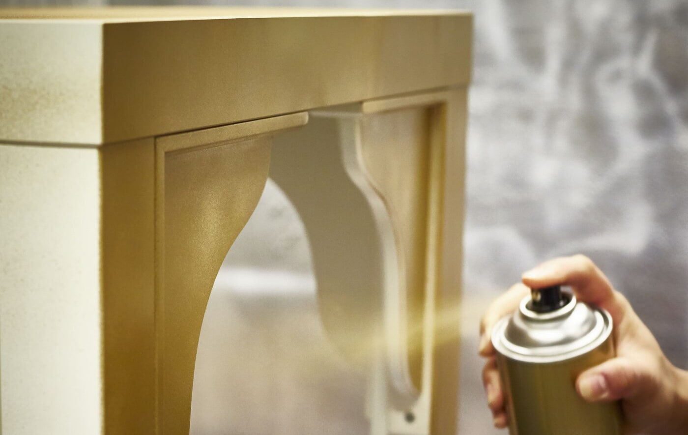 Окрашивание мебели из балончика