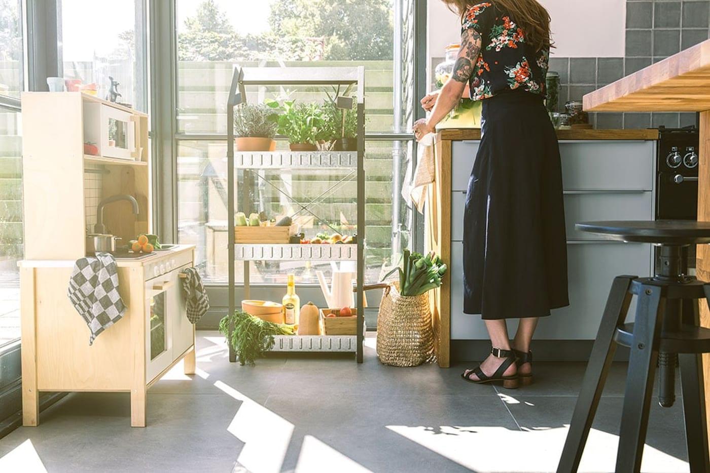 Ongekend 3 x opbergtips voor in je keuken - IKEA UW-27