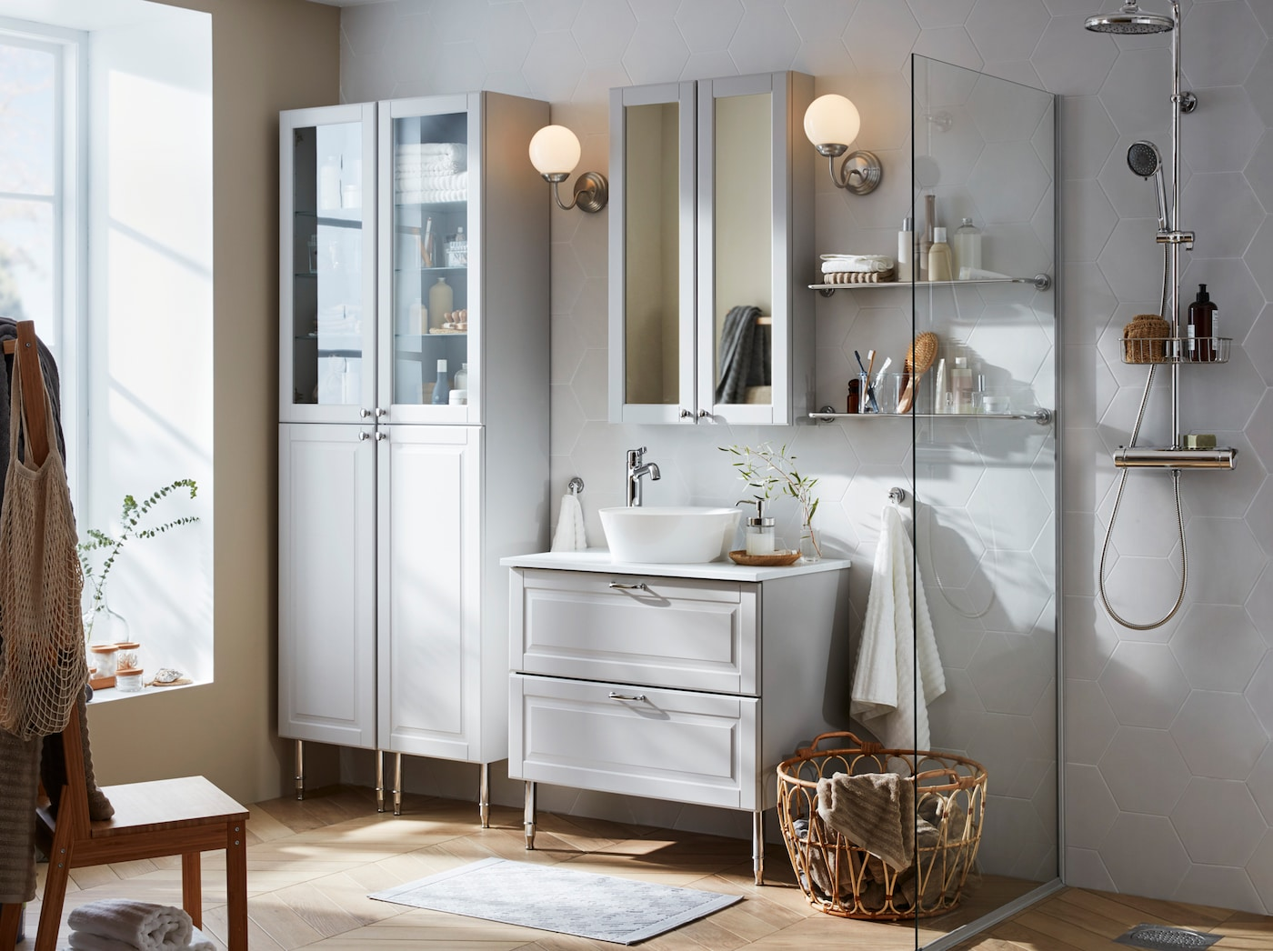Organise your bathroom easily with IKEA GODMORGON furniture series. The white drawers come with fully extendable doors with a silent close function.