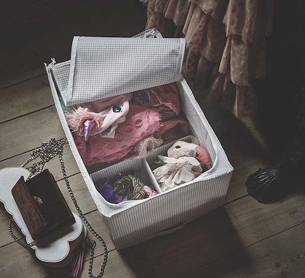 Organizza e proteggi i tuoi vestiti con la borsa portatutto STUK