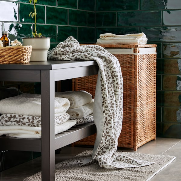 Our great value new JUVELBLOMMA towel has a simple, stylish floral print pattern that breathes new life into your bathroom. Match it with classic VÅGSJÖN fluffy white towels, a TOFTBO bathmat and a BRANÄS laundry basket.