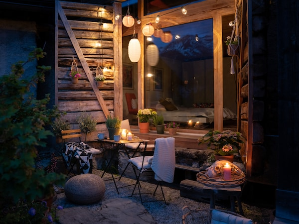 Outdoor setting.