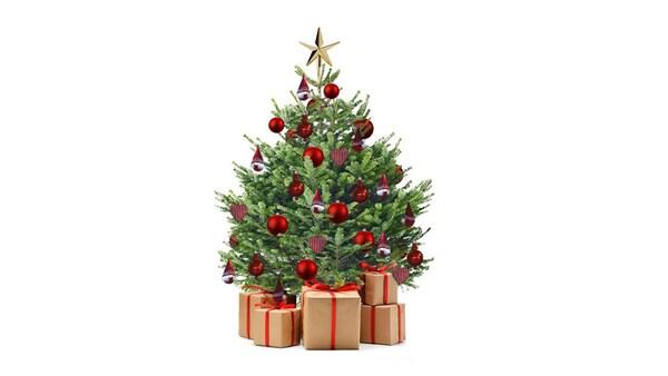Ozdobený vianočný stromček IKEA s darčekmi pod ním.