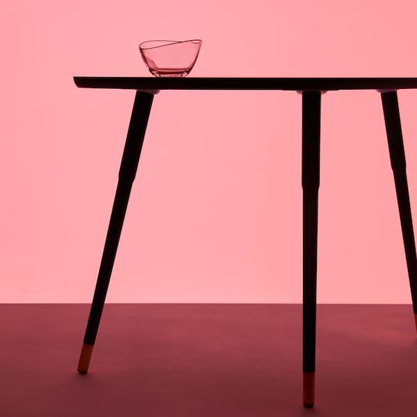 Pășiți în anii 1950-1960 cu colecția retro GRATULERA care celebrează 75 de ani de IKEA.