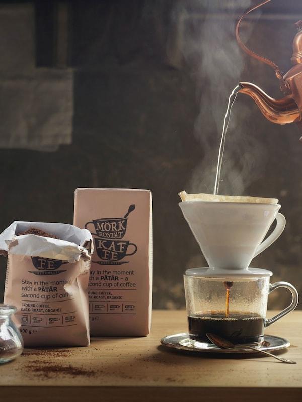 PÅTÅR 100% Arabica dark roast, organic, UTZ certified coffee brewing in pour over method
