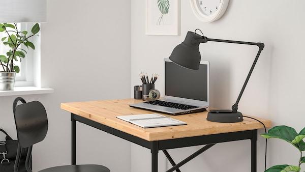 Pejabat rumah yang menginspirasikan kerja anda.
