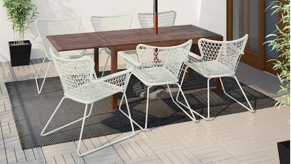 Perabot ruang makan luar