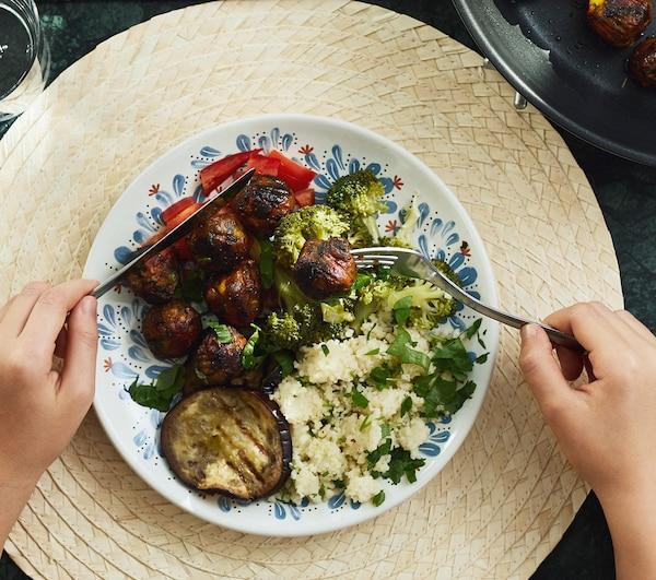 Piatto vegetariano a base di polpette ALLEMANSRÄTTEN – IKEA