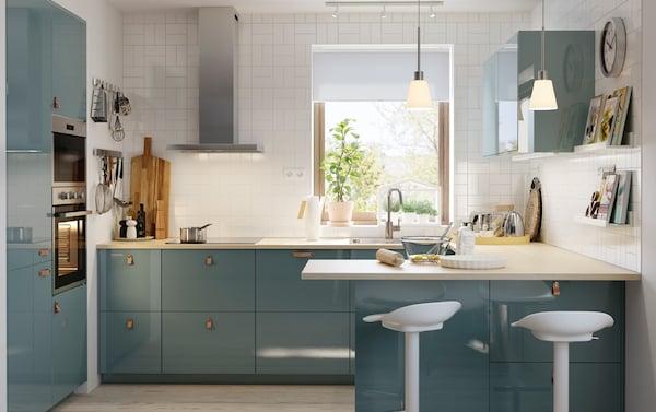 Tavolo Con Sgabelli Cucina Ikea.Una Penisola Dove Cucinare Tutti Insieme Con Stile Ikea
