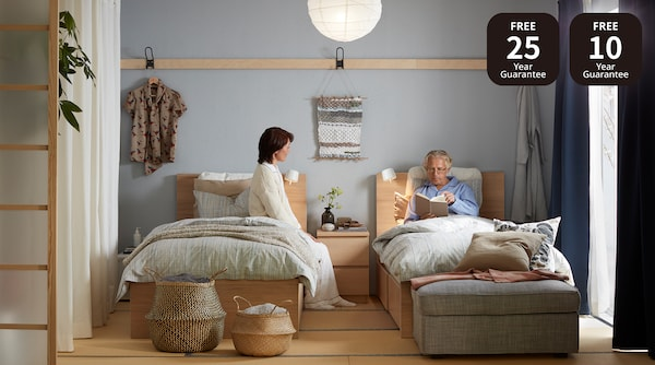 Picture of a bedroom.
