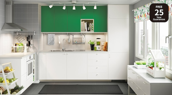 picture of a kitchen.