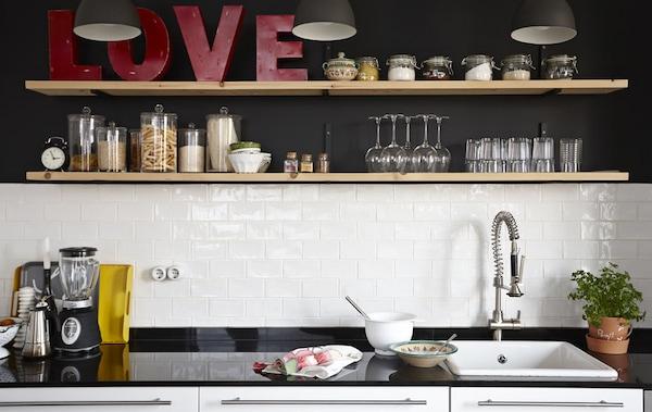 Planując kuchnię wybierz swoje ulubione style i materiały
