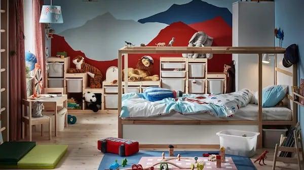 Pokój dla dziecka z górami na ścianie