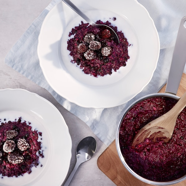 Porridge aromatizzato ai mirtilli.
