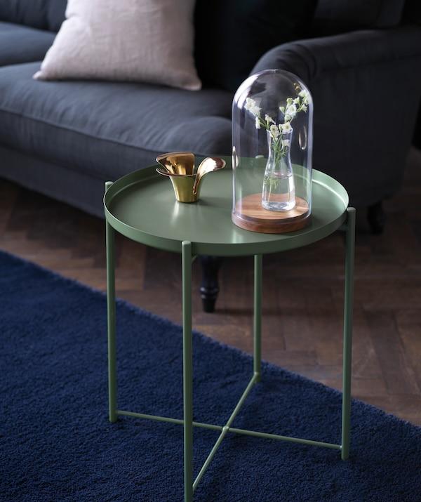 Porta l'autunno in soggiorno con il tavolino vassoio GLADOM in acciaio verde - IKEA