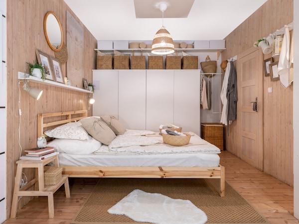 Premyslená spálňa pre milovníkov odpočinku.
