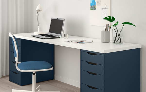 Рабочий кабинет письменный стол планирование