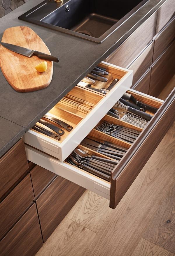 Range-couverts VARIERA dans les tiroirs de cuisine