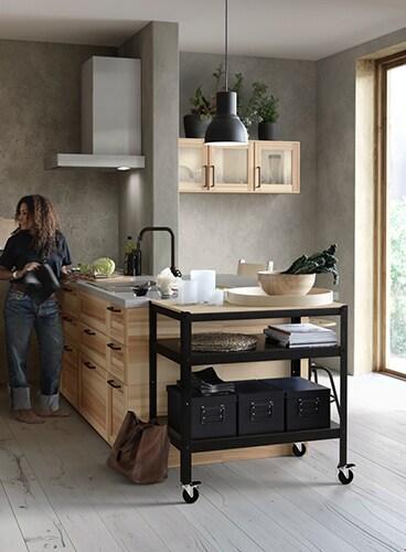 女性一人暮らしのキッチン