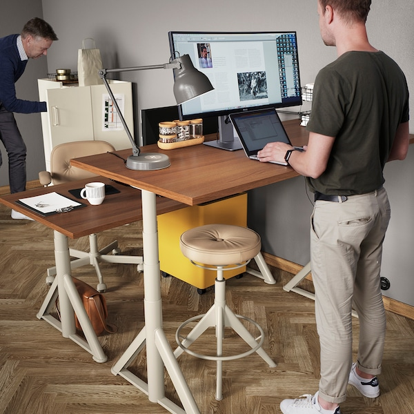 Ratgeber Bürobeleuchtung: Bildschirmarbeitsplatz