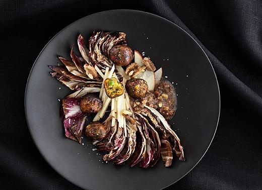 recette-salade-chaude-radicchio-noix-boulettes-végétariennes-épicerie-suédoise-IKEA