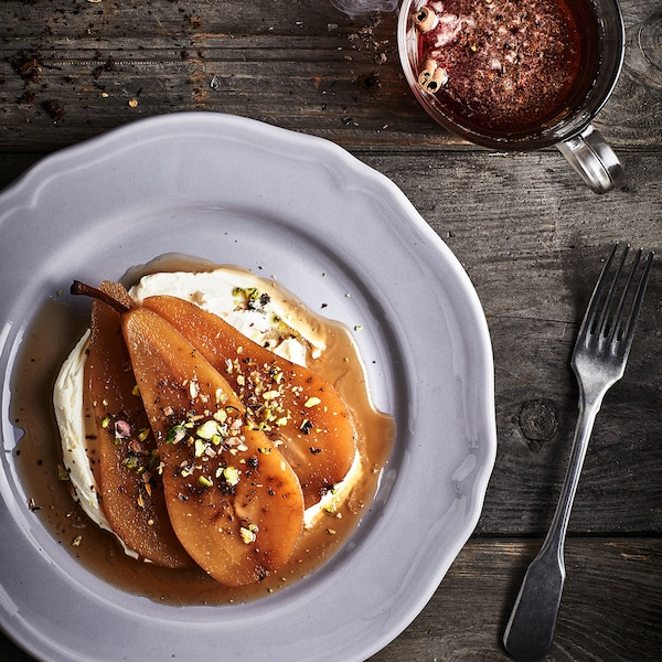 Recipe – Pears gently poached in Earl Grey tea.