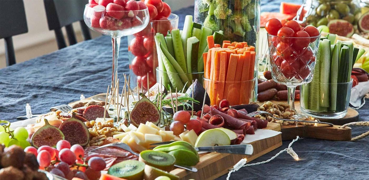Rot, gelb, grün – gesundes Essen zeichnet sich durch einen bunten Teller aus.