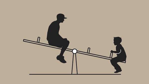 رسم تخطيطي لتوضيح كيفية عمل الرافعة. يظهر أرجوحة وطفلان يلعبان عليها، أحدهما صغير والآخر كبير.