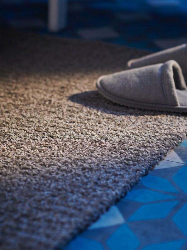 Rugs, mats & flooring