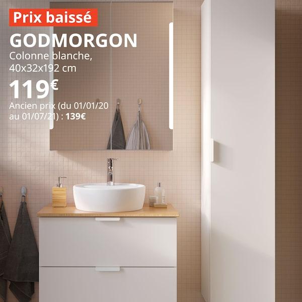 salle de bain avec des meubles blancs et bois, prix baissé sur la colonne