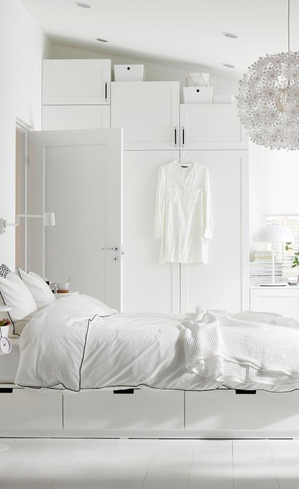 scandinavisch interieur modern witte slaapkamer nordli bed met opbergruimte