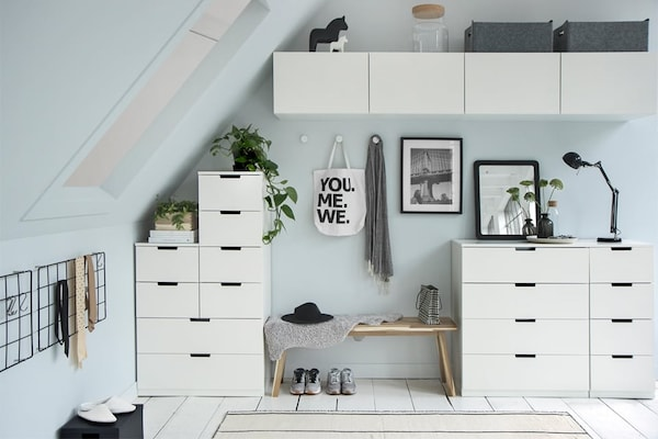 Slaapkamer Met Schuin Dak Inrichten.Schuin Dak Maak Een Slaapkamer Ikea