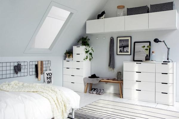 Schuin Dak Maak Een Slaapkamer Ikea
