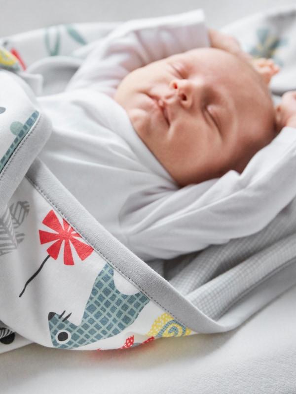 Semua tilam katil bayi.