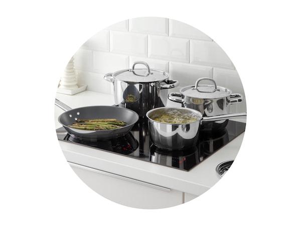 Séria OUMBÄRLIG, sada kuchynského náradia.
