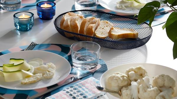 Set da tavola per belle feste in famiglia
