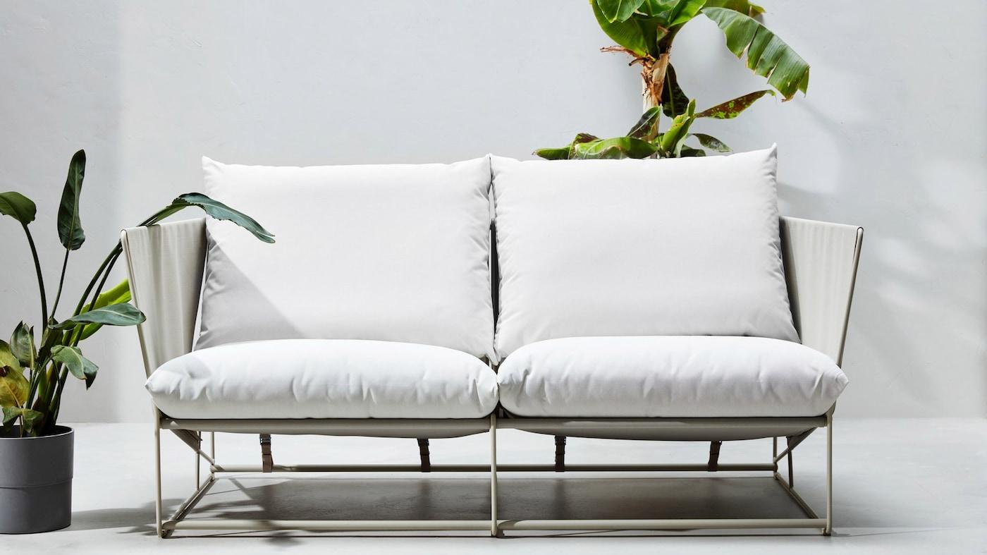 Sidde- og hvilemøbler til udendørs brug fra HAVSTEN serien.
