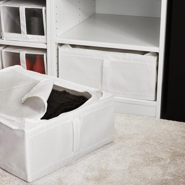 SKUBB Boxen in einem PAX Kleiderschrank