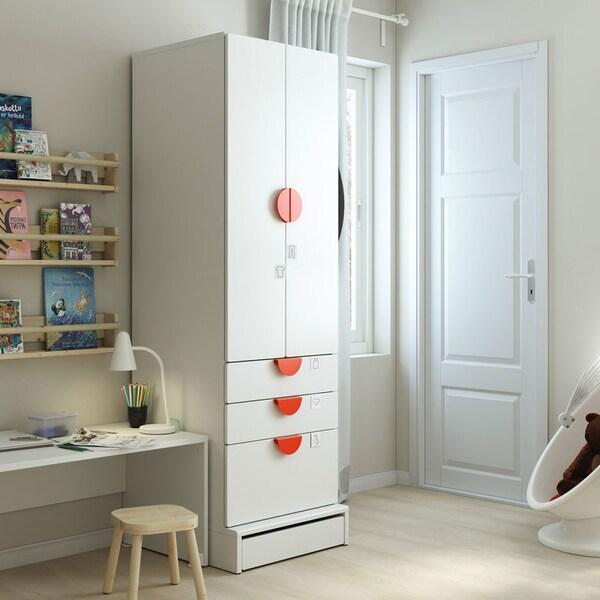 SMÅSTAD / UPPFÖRA armoire-penderie, blanc, avec 3 tiroirs.